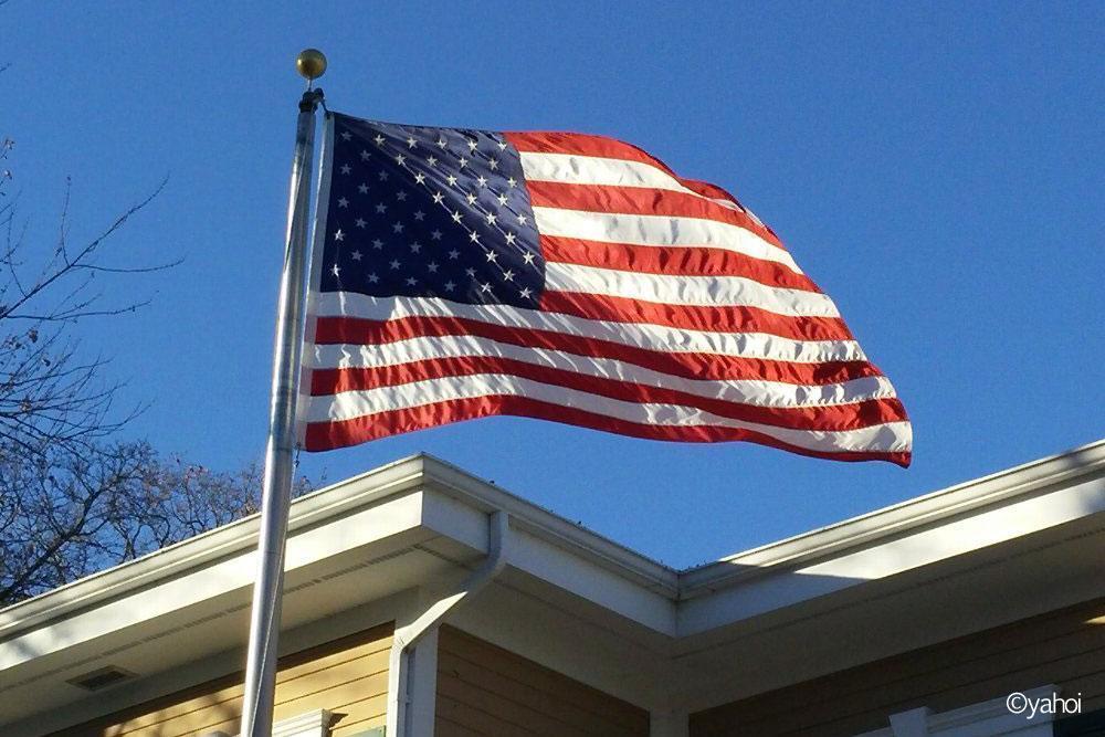 今日も風にたなびく合衆国旗。いじめっ子に支配された今後の行方はいかに?