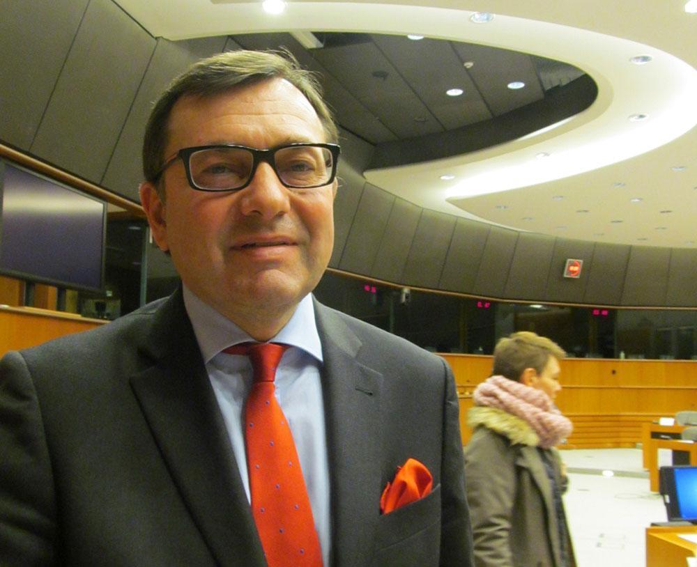 EU議会の対日グループ座長のペーテル・ジェザク(Petr Jezek)氏。日本の政情についての勉強会の後で。(2016年2月15日) JUN Fujio